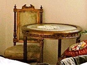 Set mobilier; O masă şi două scaune - Persoană fizică - REGHIN
